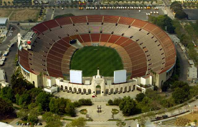 Digital Image taken on Thursday, 3/25/2004, Los Angeles, CA - Photo by Ricardo DeAratanha/Los Angeles Times -- Aerial view the Los Angeles Coliseum.